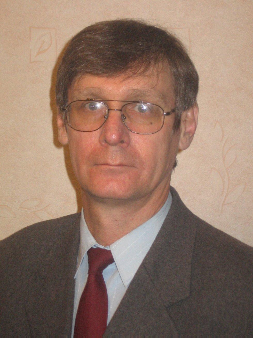 Попов Аркадий Александрович